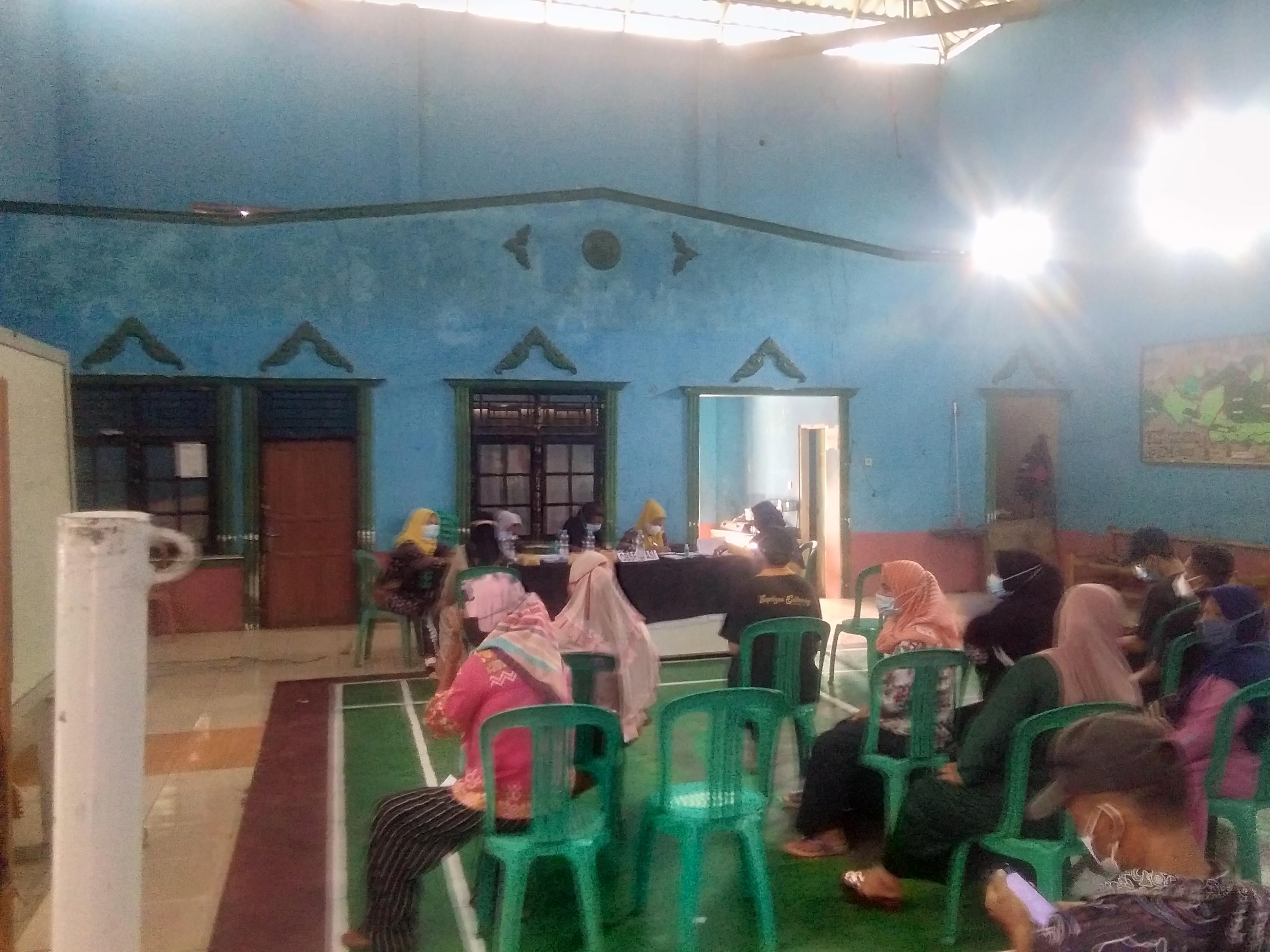 Masyarakat Desa Linggarsari Ikut Vaksinasi Covid-19 Tahap 1